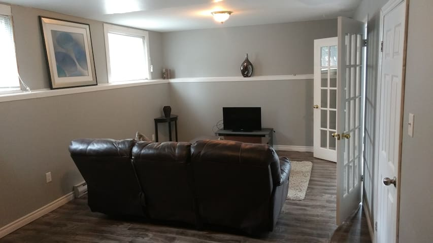 Spacious, newly renovated one bedroom Apt. - St. John's - Apartment
