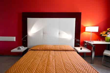 Desenzano Hotel Europa, sul lungolago - Desenzano del Garda