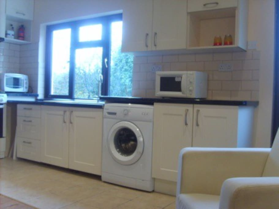 Full Facilities with Stove, Grill, Washing, Sink and Microwave