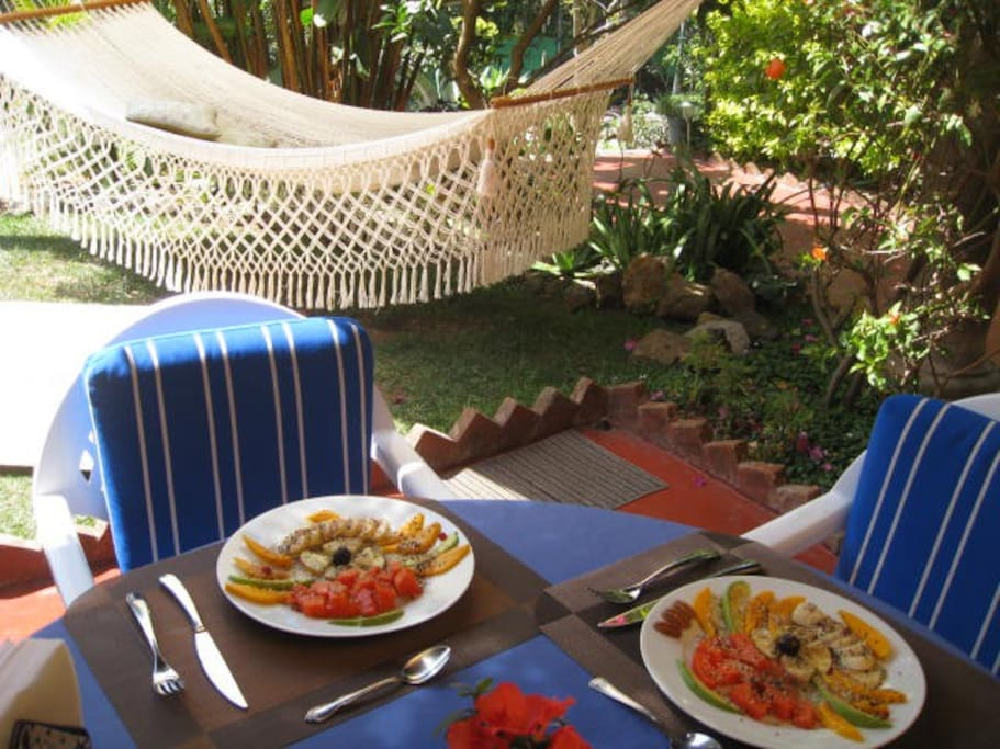 Start your day with a delicious breakfast in the garden.