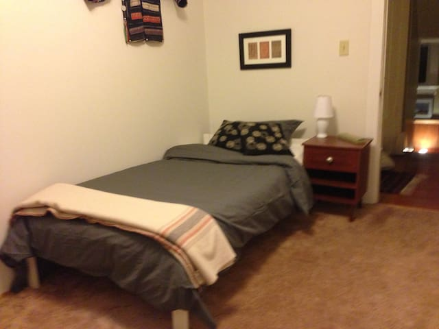 another view of the single room.
