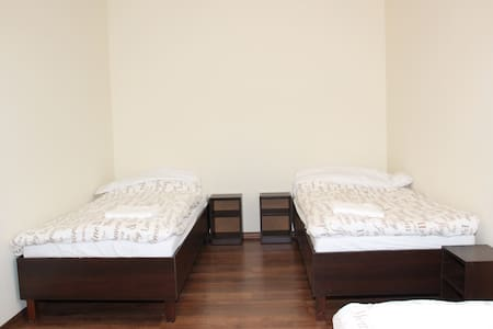 20min to Centre 5-persons apartment Fredry 8