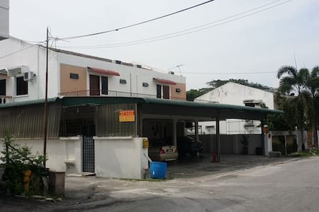 IPOH CITY FALIM 2PERSON Hotel Room HOMESTAY