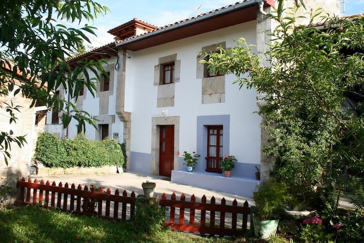 Casa Rural La Pintora, en Silviella - Llanes - Casa