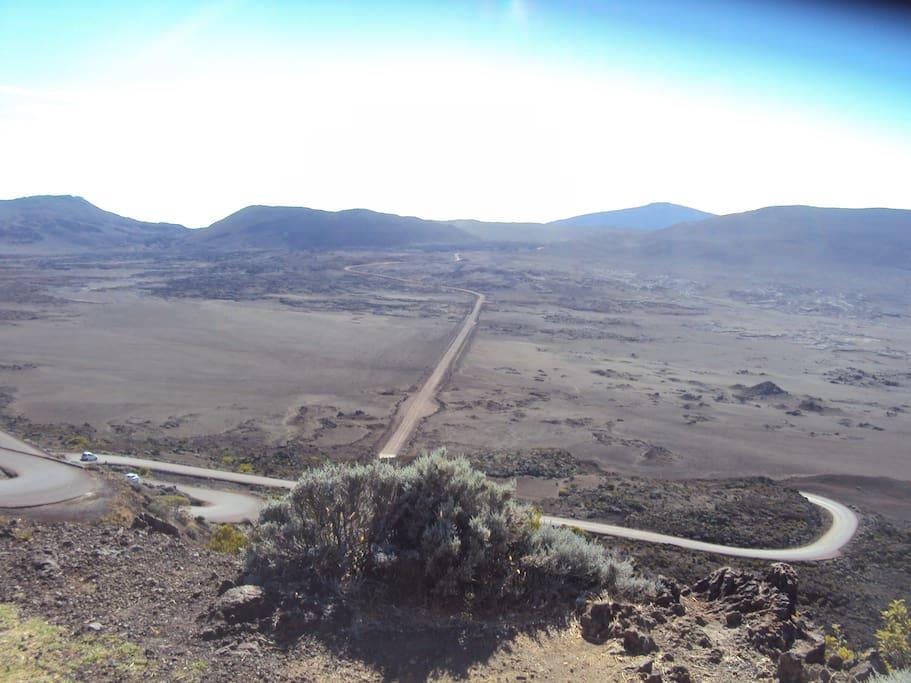 la plaine des sables sur la route du volcan à 1h30 chez Elli