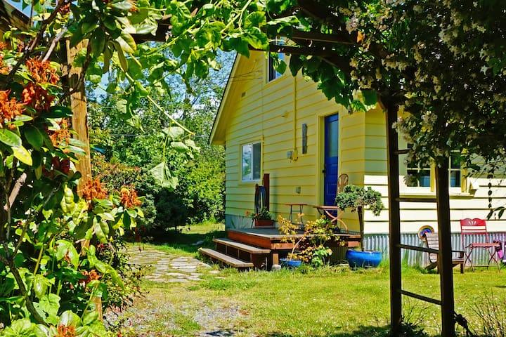 Samish Island Pioneer House - Bow