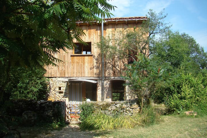 PETITE MAISON EN PLEINE NATURE - Mouillac - House