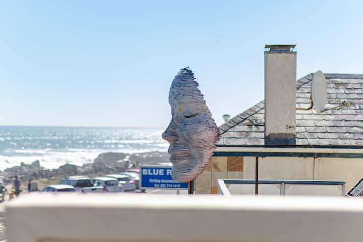 Beachfront Lodge, Blouberg, Cape Town