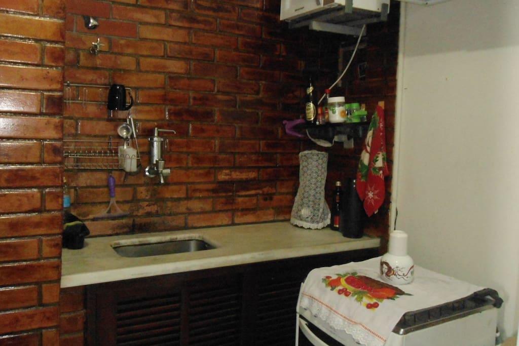 Microondas, liquidificador e fogão