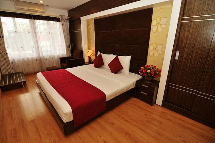 Deluxe room at Ta Hien Street - Hàng Buồm - Bed & Breakfast