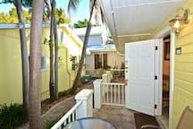 Cute, dog-friendly cottage w/ patio - walk to shops, restaurants & nightlife!