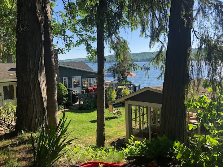 Private 175 ft lake frontage secret cove, magical!