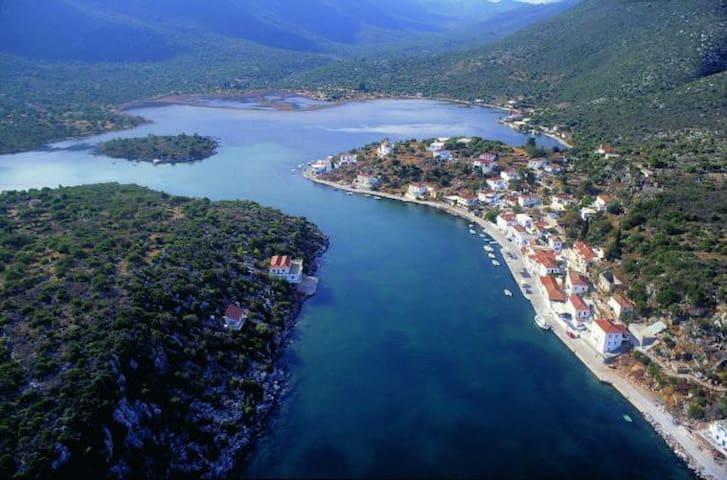 Εκπληκτική θέα στην λιμνοθάλασσα. - Limin Ieraka - Talo