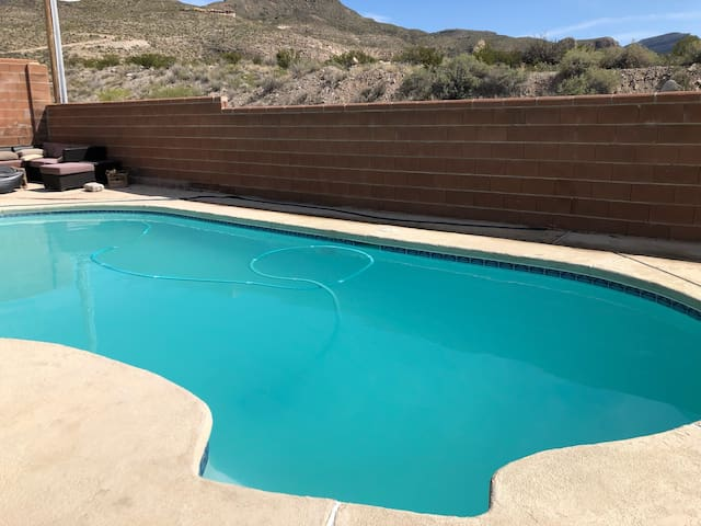4 bed 3 bath with pool and gym!