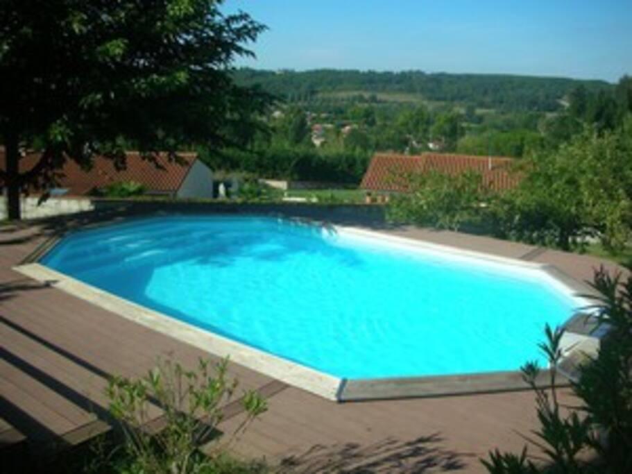 le coin piscine et le joli point de vue