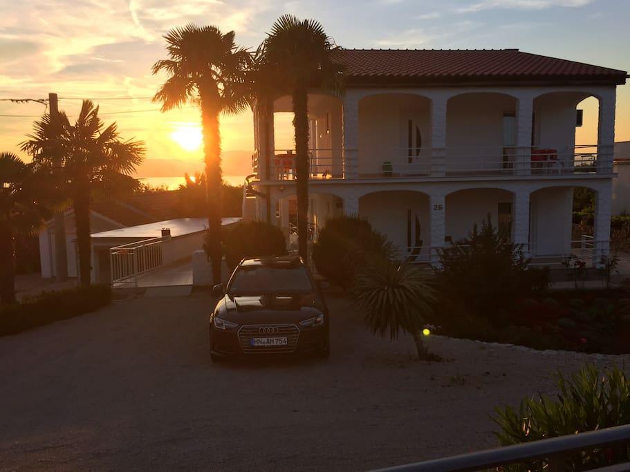 The sun seet seen from the house