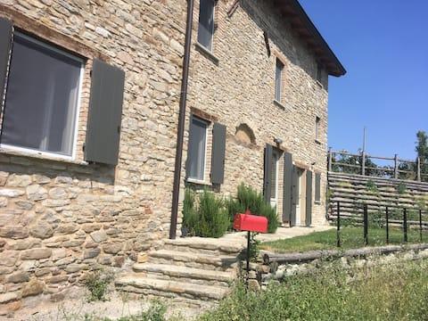 apartamento de pedra com vista para os Apeninos