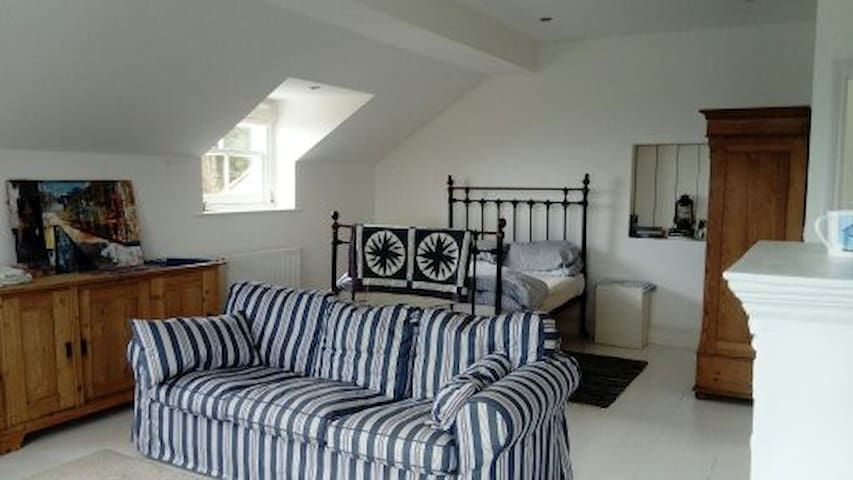 Spacious, coastal accommodation in Lyme Regis