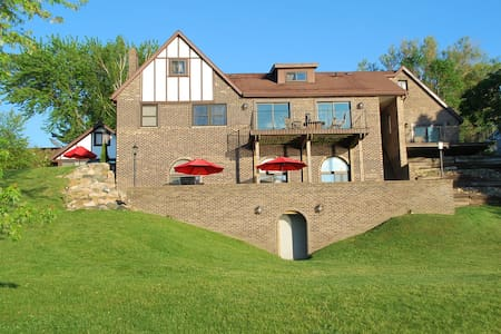 Luxury Lakefront Home w/ Indoor Pool (sleeps 20)