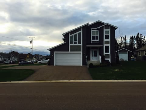 Modern house available for short term or long term