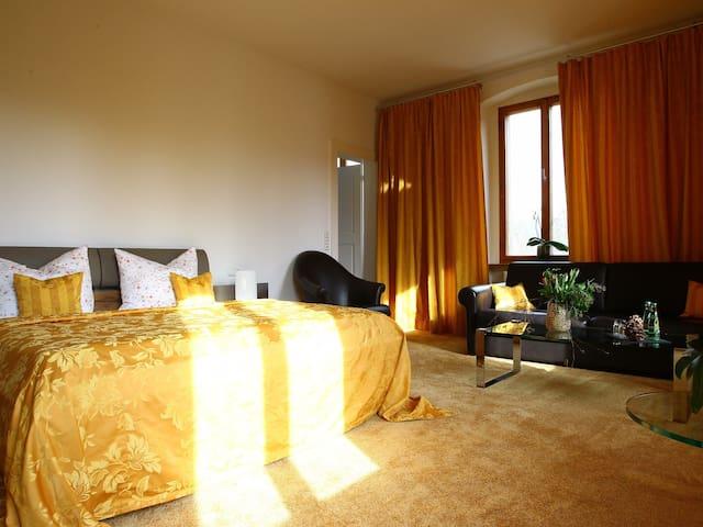 Deluxe Doppelzimmer (2 Erwachsene + 2 Kinder)