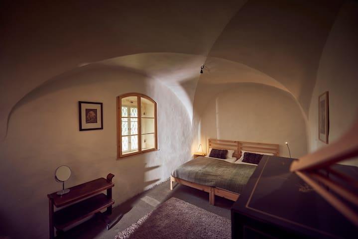 Gewölbezimmer im Erdgeschoss