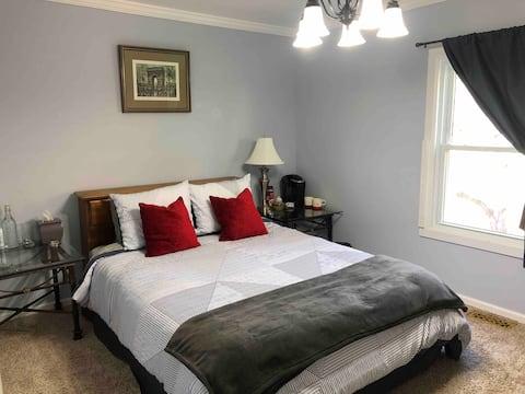 Cozy private room near Charlotte & airport