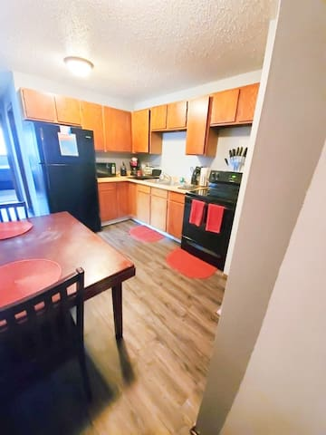 Williston, ND 2 bed, 1 bath fully furnished apt!