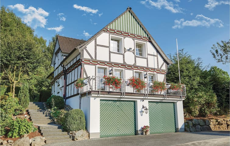 Holiday cottage with 3 bedrooms on 155m² in Attendorn