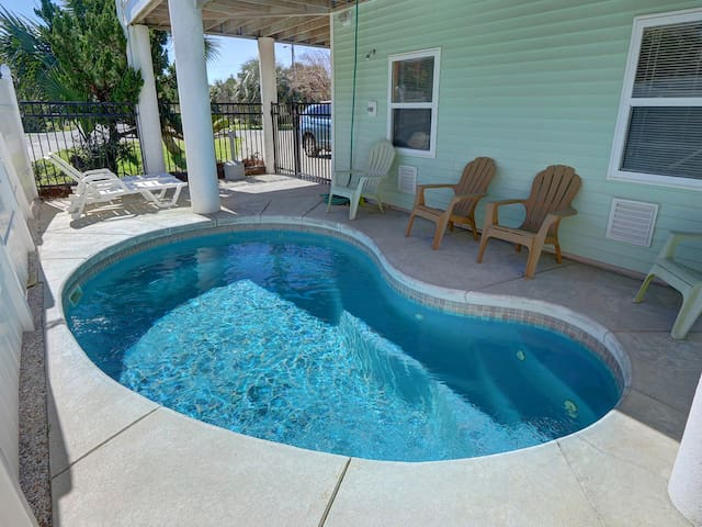 Heated Pool   5*Clean   Flex Cancelation   Grocery Delivery