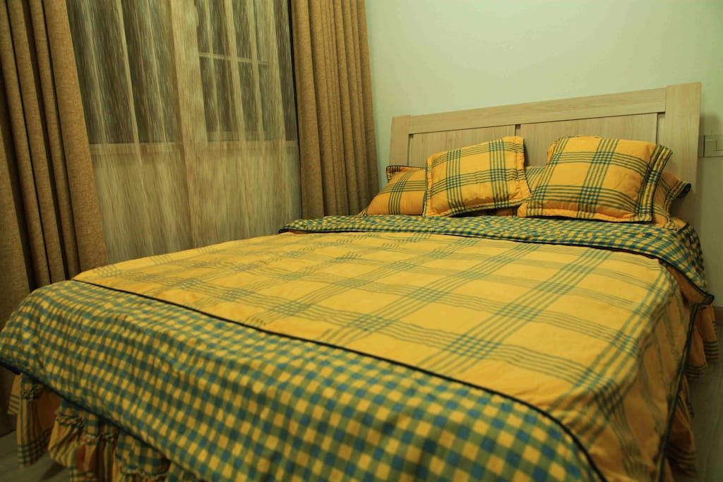 20.Secondary Bedroom.