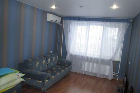 Современная квартира в удобном месте - Tolyatti - Departamento
