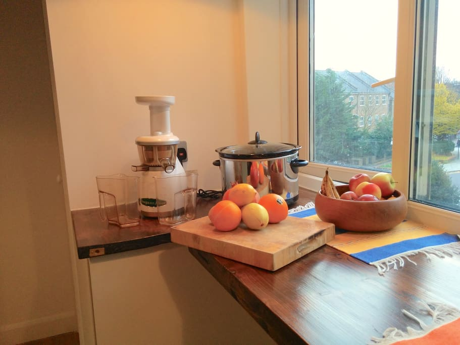 In the flat you'll find a juicer that works a treat and a slow-cooker to make your favourite winter stews...
