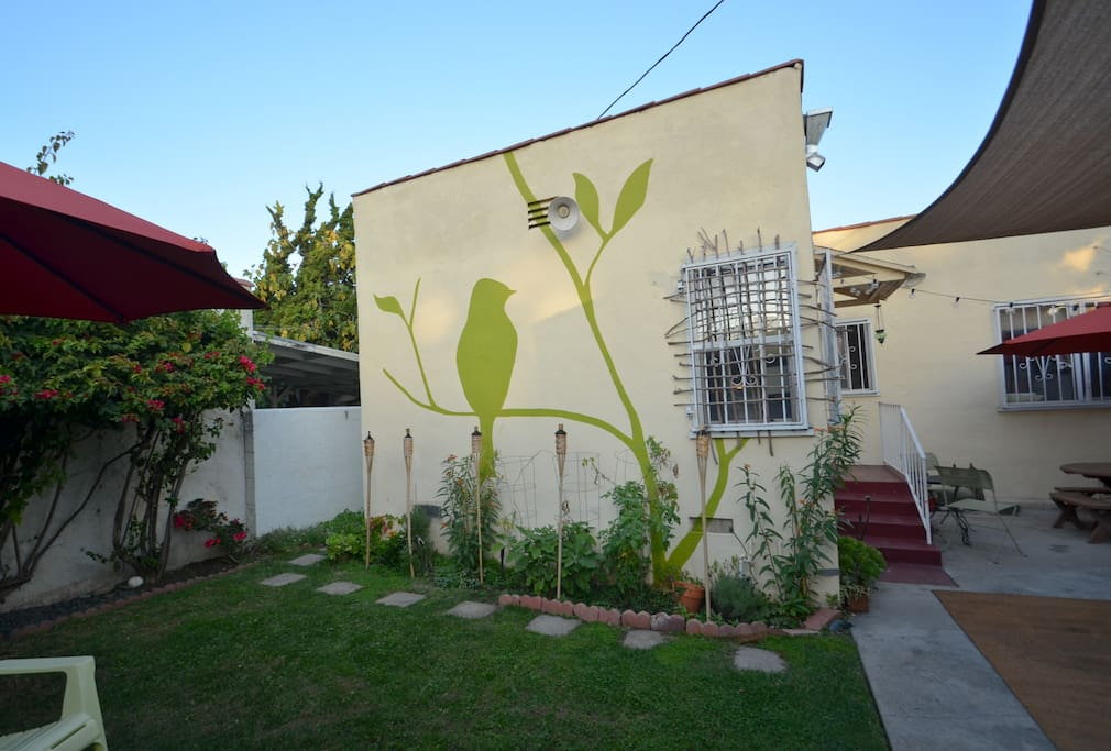 Lovely room w private bath near larchmont houses for for House for rent near los angeles