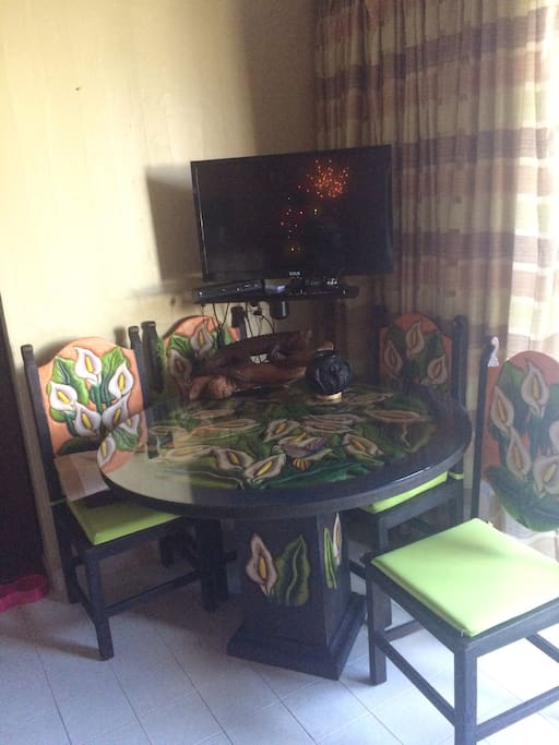 Satellite TV and this beautiful dinning set