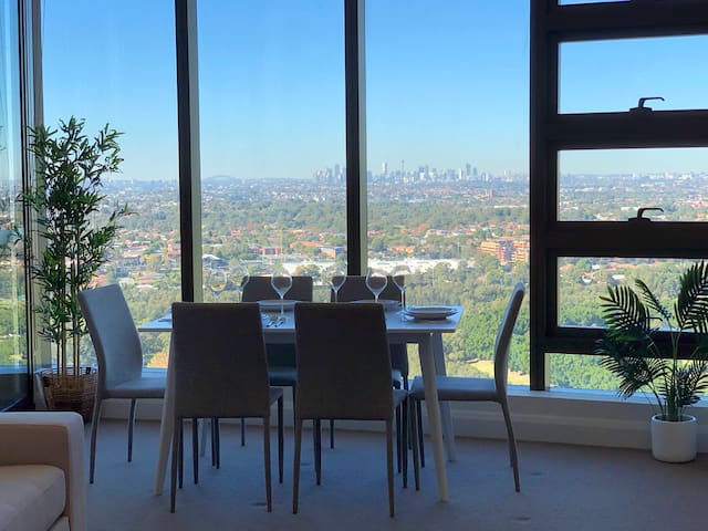 Olympic Park Luxury 2BR Apt CBD View - Aust Tower