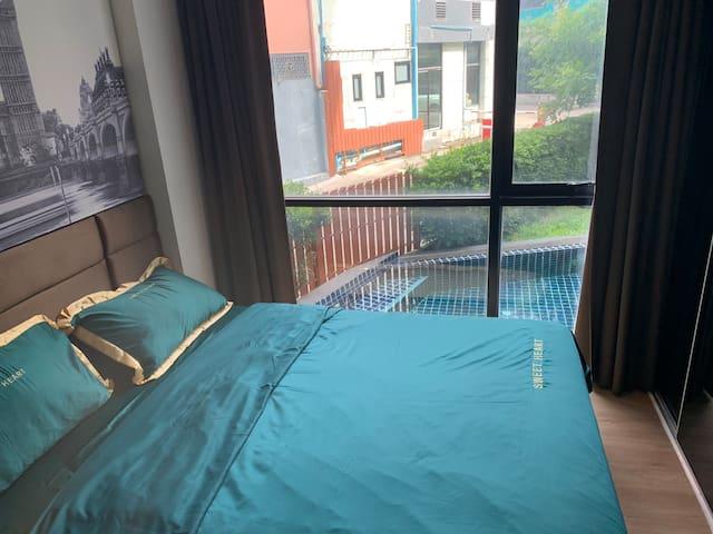 [中文服务]市中心Embassy condo网红公寓,泳池景