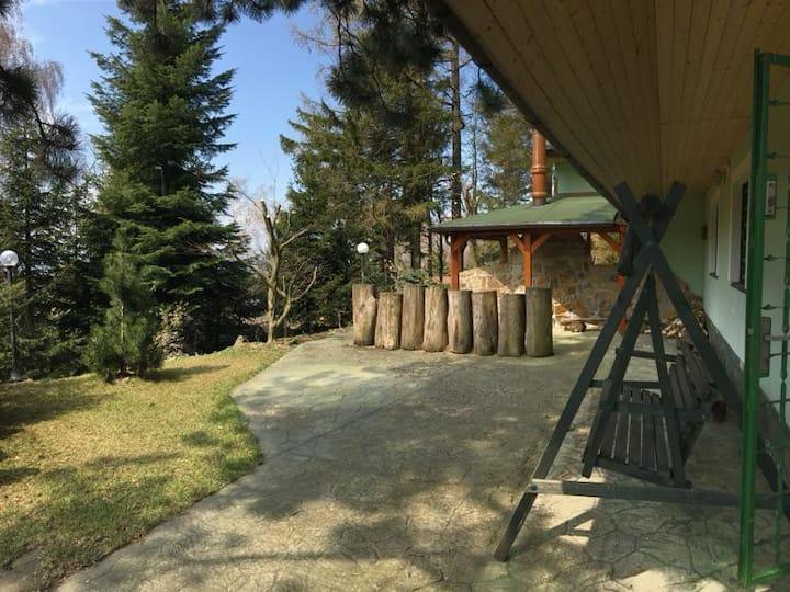 Chata se saunou a kulečníkem v srdci Bilých Karpat