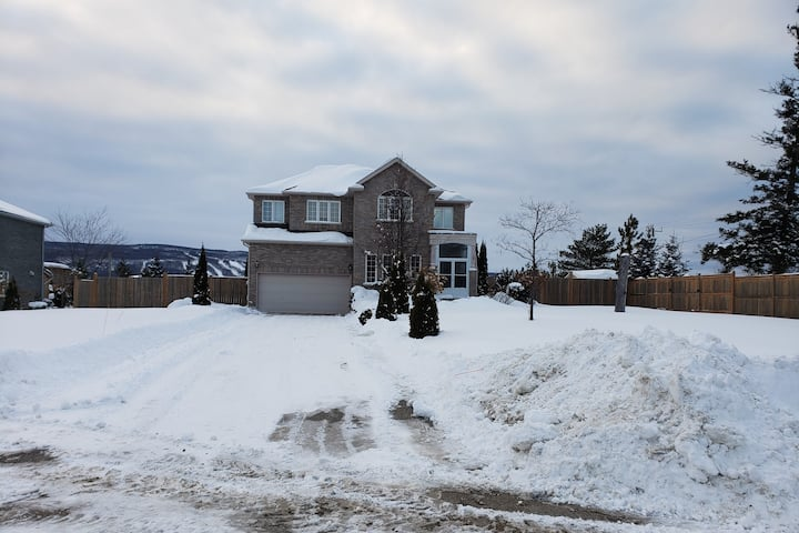"""Gorgeous vacation home in Collingwood Ontario"""