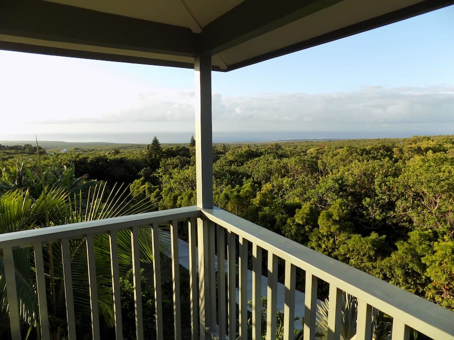 Enjoy the sunrise and whitewater views with morning coffee from our private lanai.
