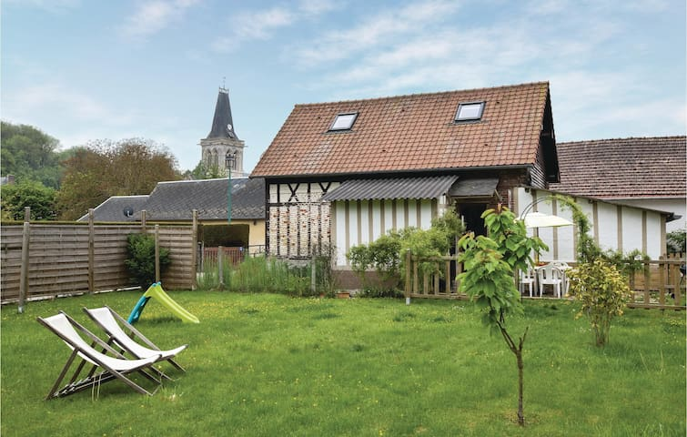 Nice home in Le Bourg-Dun with WiFi and 3 Bedrooms