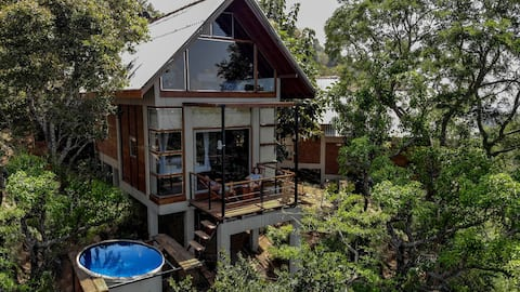 Luxury living in a peaceful wildlife paradise