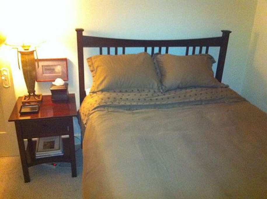 Queen size bed. Your own room.