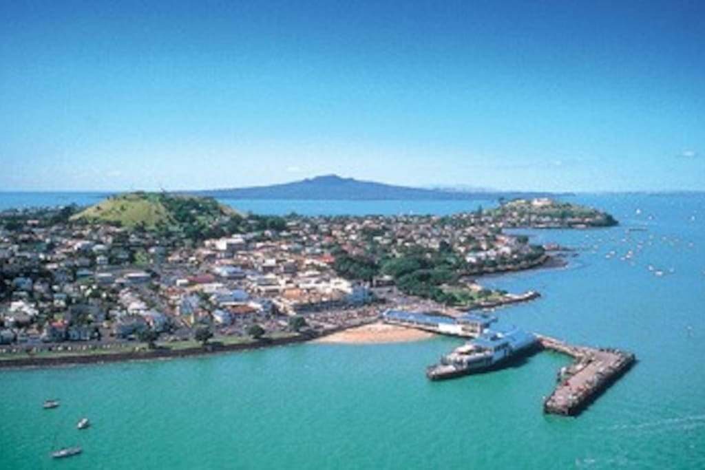 The beautiful Devonport peninsula