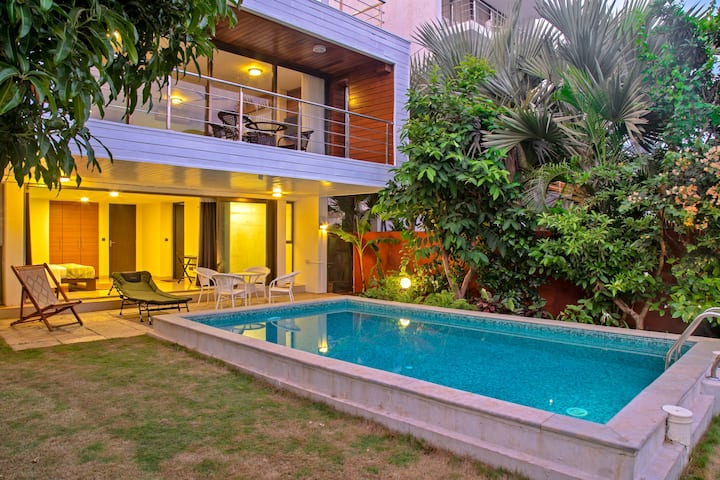 Sea View 4BR Villa with private pool Family only