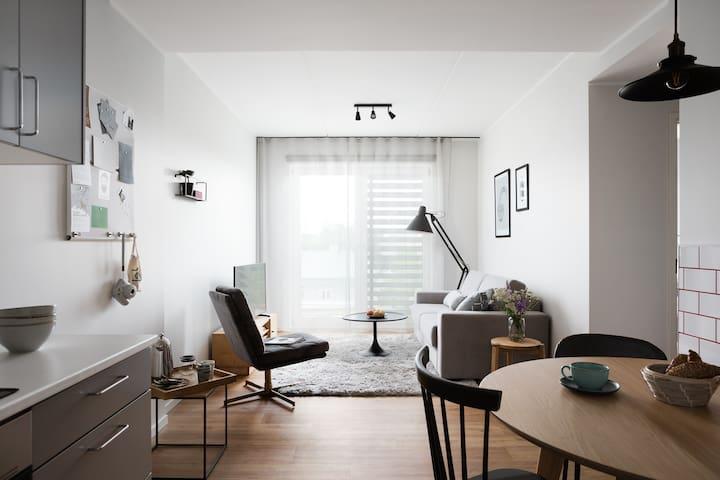 Swanky 1-Bedroom Suite in Creative District