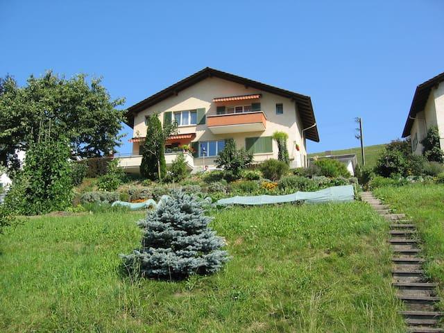 Wohnung, Sicht auf die Berneralpen! - Oberdiessbach