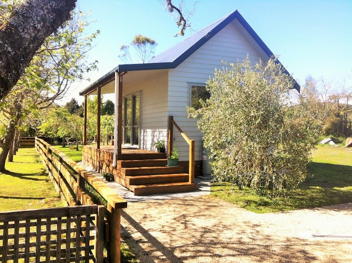 Mirror Creek Holiday Cottage