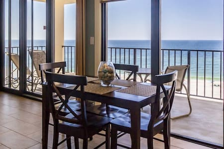 6th Floor Beachfront Unit with Amazing Views!
