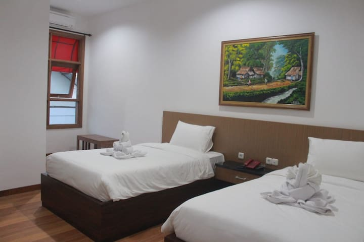 Superior Room Baratha Hotel